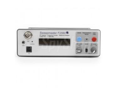 Digitaler Detektor für Funkfrequenzen und Kameras SweepMaster F2560 - Radiofrequenz- und Kameradetektor